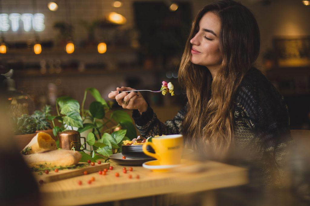 бавно и осъзнато хранене
